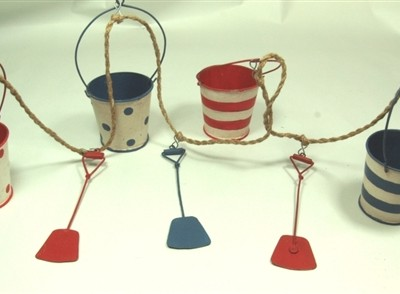 Bucket and spade garland