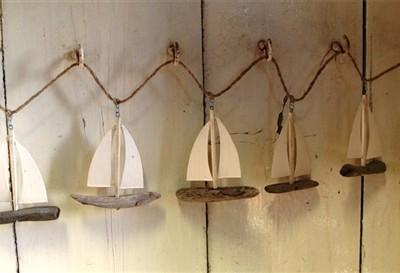 Driftwood boat garland